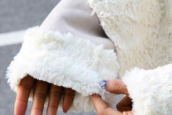 Чистка белого искусственного меха