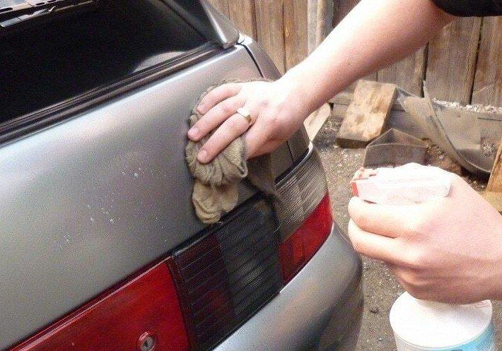 удалить клей со стекла авто
