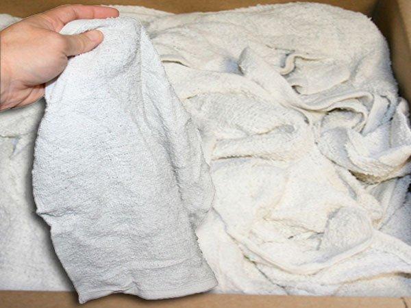 Грязные и жесткие махровые полотенца