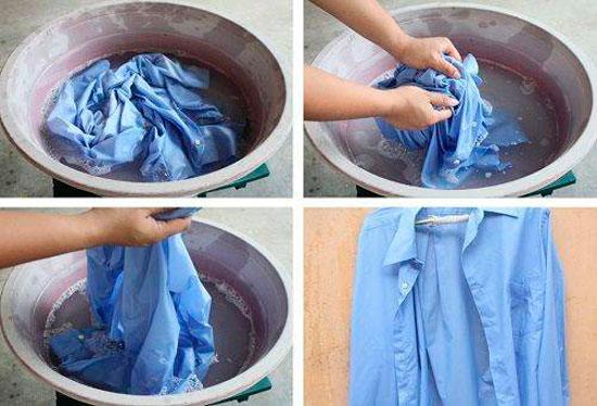 Процесс стирки рубашки вручную