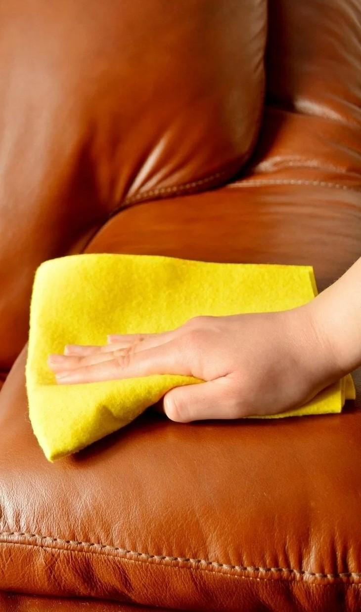 очищение кожаного дивана